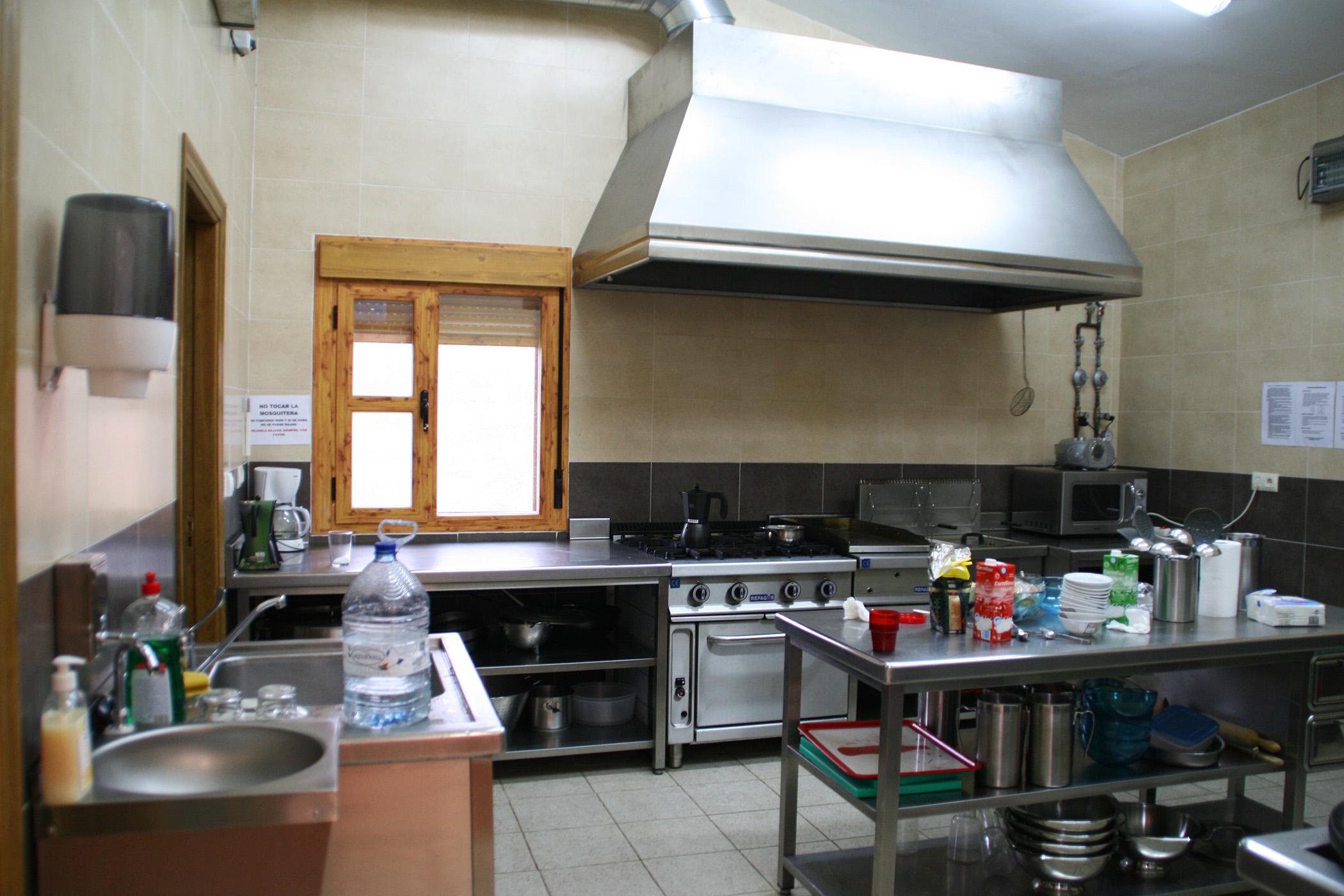 instalaciones albergue navacepeda On cocina industrial equipada
